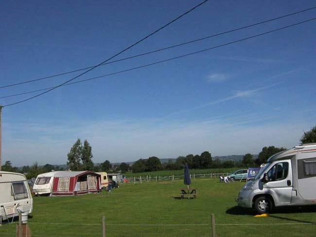 Camping in Courson, ideal for camping cars tents and caravans.
